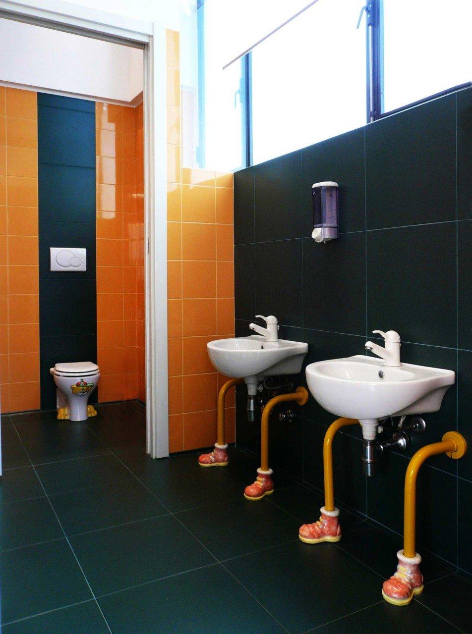 I saitari, i lavabi e le rubinetterie sono stati selezionati con cura per rendere piacevole l'esperinza con l'ambiente bagno