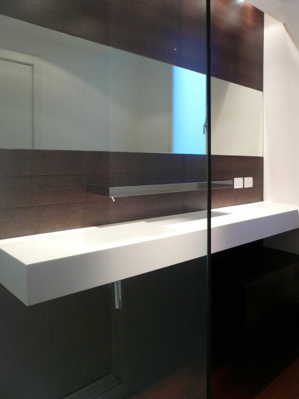 BAGNO CORIAN-WENGE' RP DESIGN GROUP