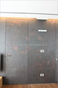 parete e porta rivestita